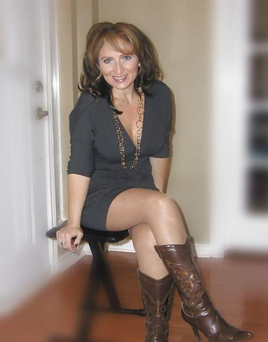 Julie, 46 ans (...)
